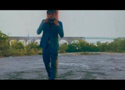"Lachaleur – ""Knee Hi"" (Video)"